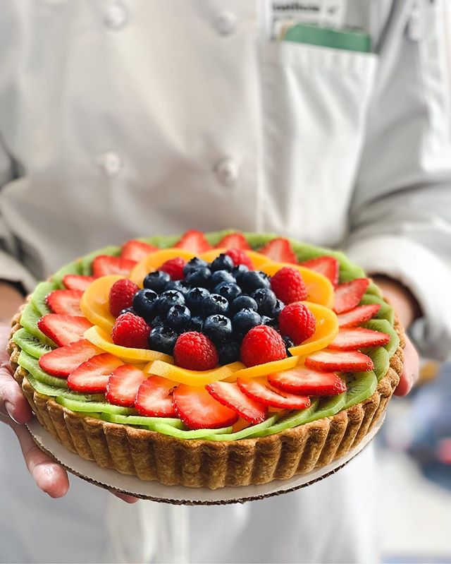 #TBT: Made this fruit tart from scratch for my Mod 4 practical exam 🥰🍓