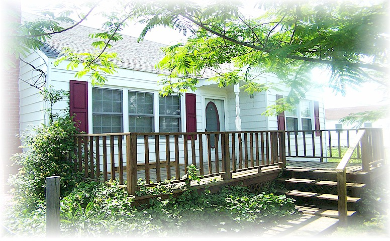 MIMOSA COTTAGE RENTAL IS OWNED BY DAN ESKRIDGE. FOR MORE INFORMATION AND RESERVATIONS, PLEASE CALL (804) 450-6039