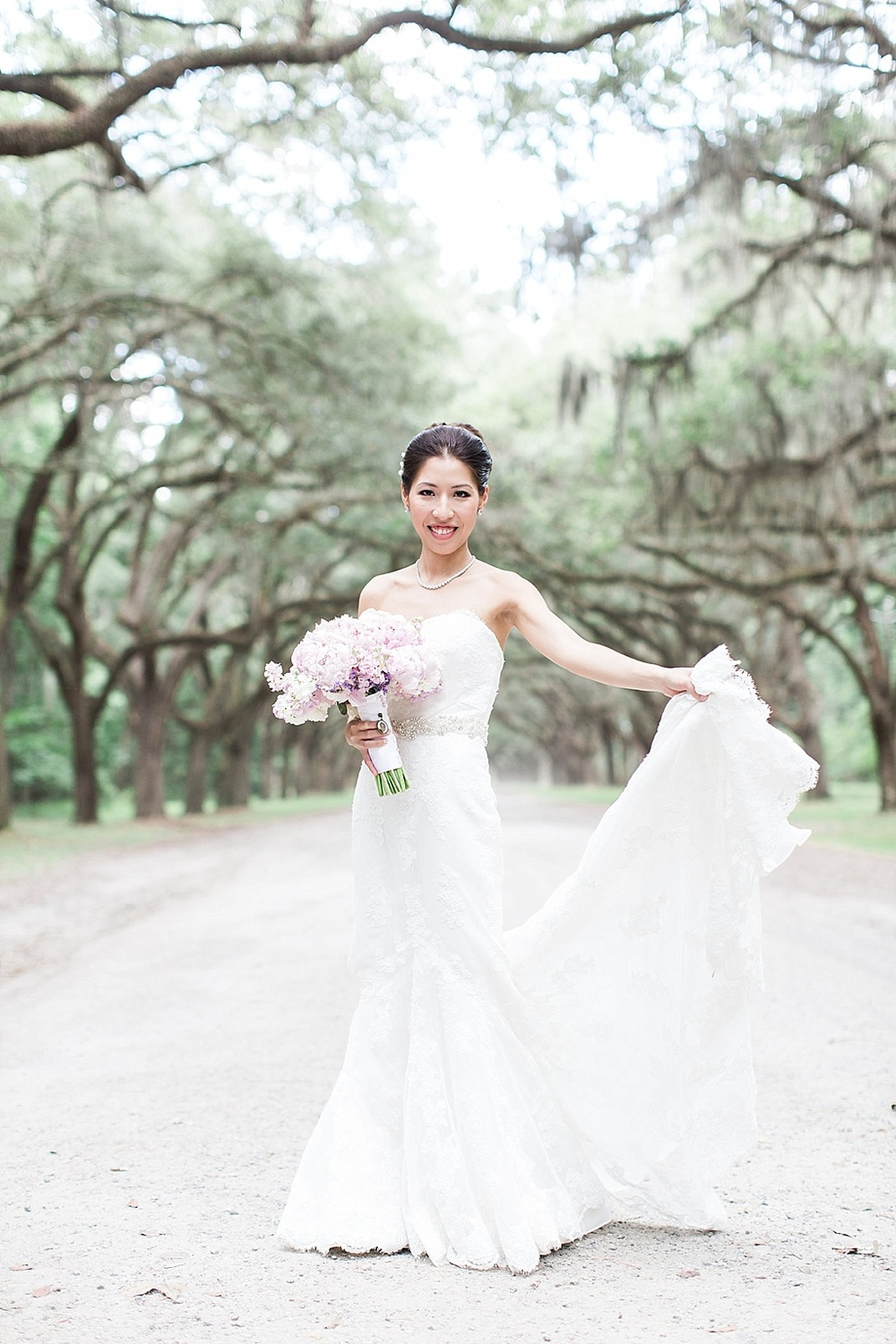 AptBPhotography_Savannah_Wedding_Photographer_Forsyth_Park_Vics_on_the_River029.JPG