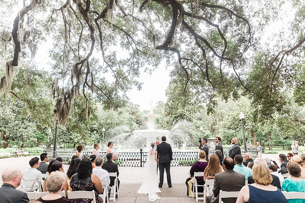 AptBPhotography_Savannah_Wedding_Photographer_Forsyth_Park_Vics_on_the_River047.JPG