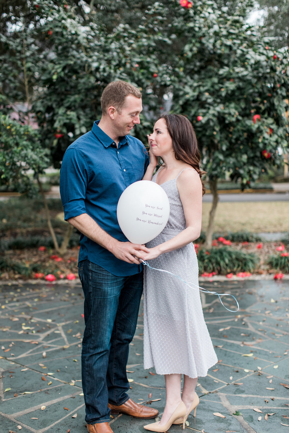 apt-b-photography-ansley-dj-memorial-shoot-savannah-wedding-photographer-lifestyle-portrait-photographer-washington-square-savannah-balloon-release-6.jpg