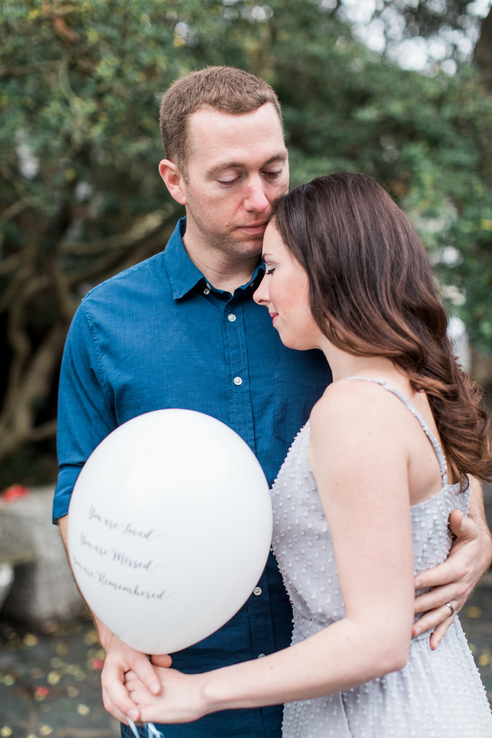 apt-b-photography-ansley-dj-memorial-shoot-savannah-wedding-photographer-lifestyle-portrait-photographer-washington-square-savannah-balloon-release-7.jpg