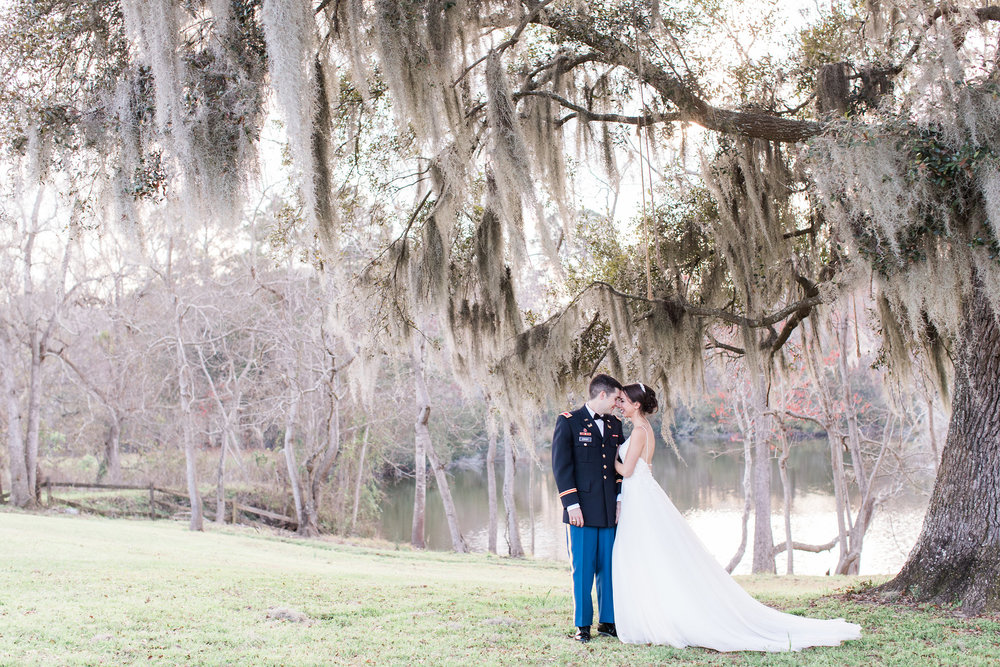 Andrea-brad-apt-b-photography-savannah-wedding-savannah-wedding-photographer-red-gate-barn-wedding-savannah-military-wedding-historic-savannah-barn-rustic-wedding-16.JPG