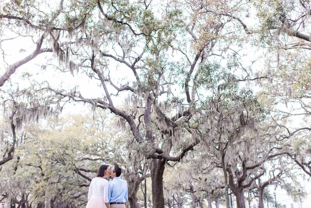 apt-b-photography-Savannah-wedding-photographer-savannah-engagement-photographer-historic-savannah-engagement-tybee-island-wedding-photographer-tybee-island-engagement-lifestyle-photographer-9.jpg