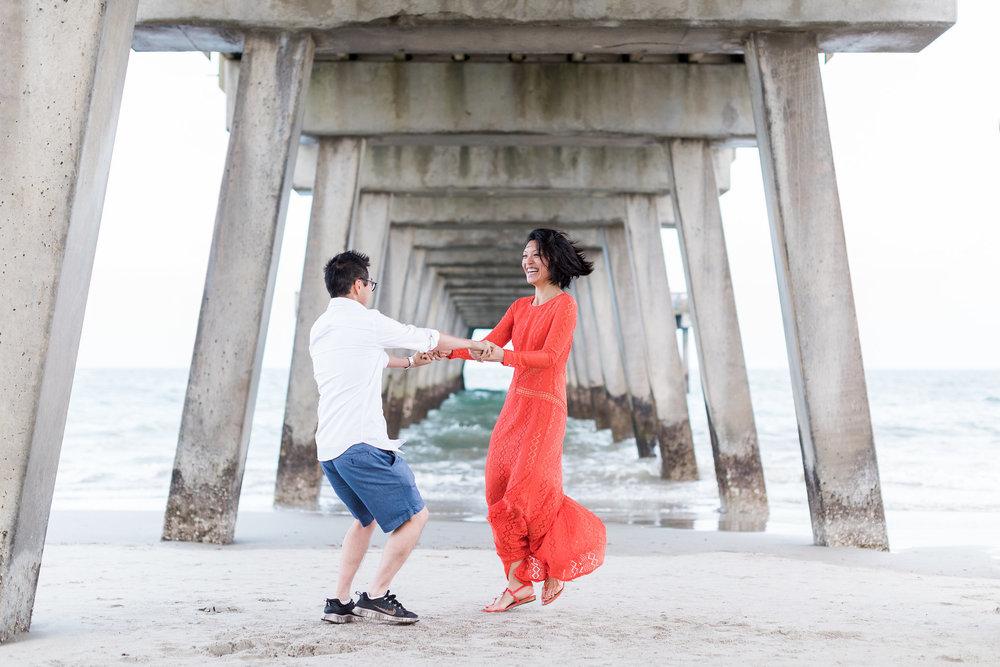 apt-b-photography-Savannah-wedding-photographer-savannah-engagement-photographer-historic-savannah-engagement-tybee-island-wedding-photographer-tybee-island-engagement-lifestyle-photographer-tybee-island-pier-12.jpg