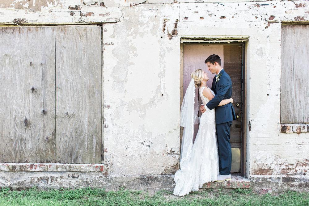 Apt-b-photography-savannah-wedding-photographer-savannah-charles-h-morris-center-wedding-116.JPG