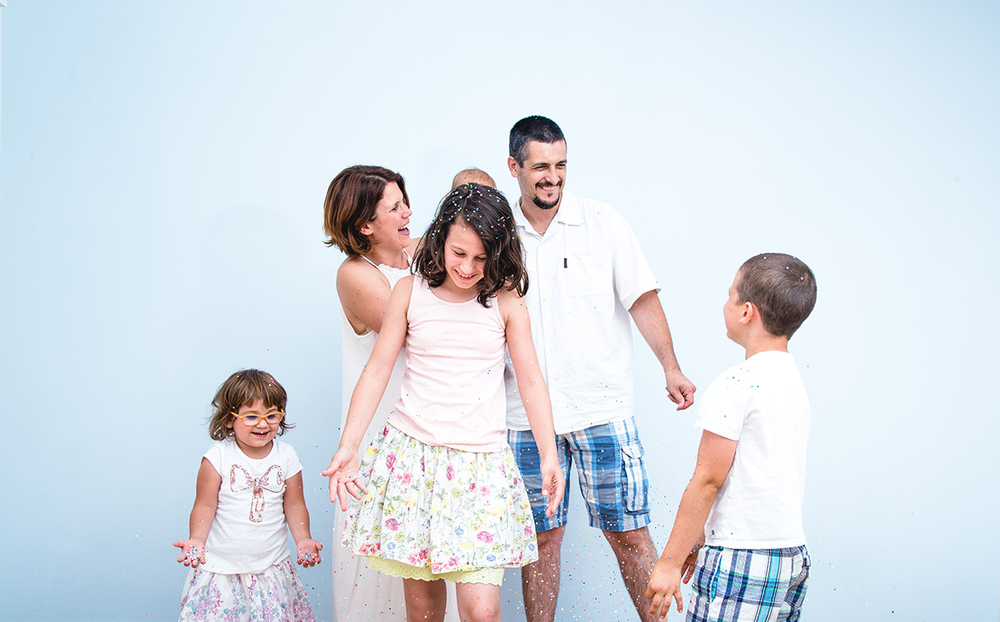 Family photography confetti