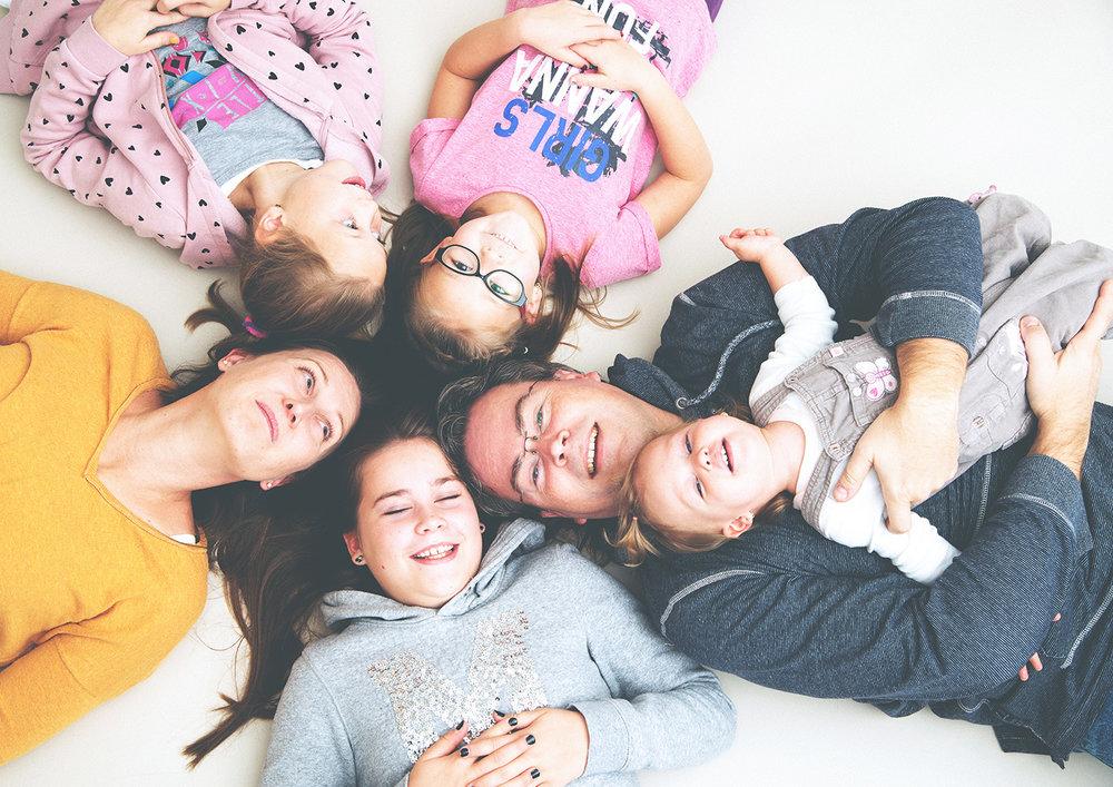 családi fotózás negy lannyal 1