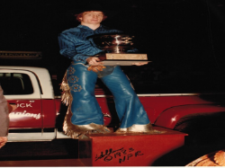 Cody presented the 1983 World Champion Trophy