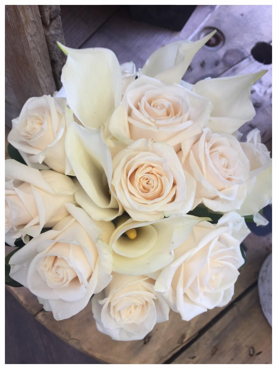 cream roses and callas.jpg