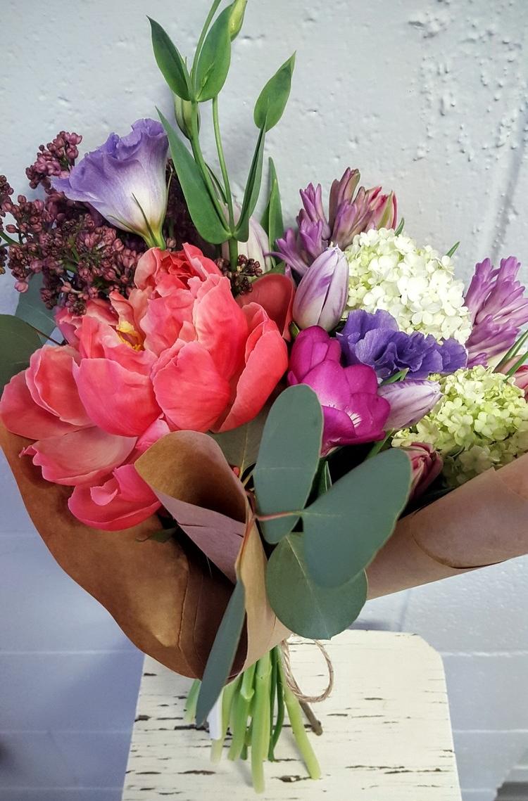 12 Tulip Bouquet.jpg