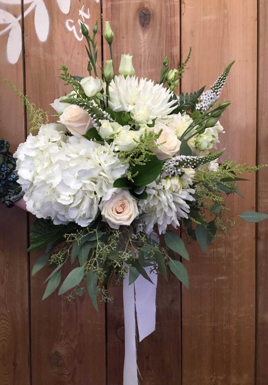 Kara Earnshaw wedding.jp.jpg