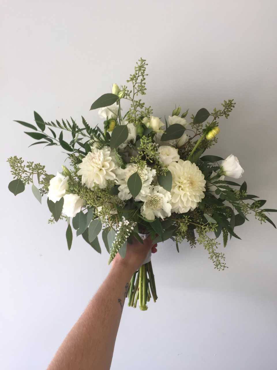 all whit bridal bouquet.jpg