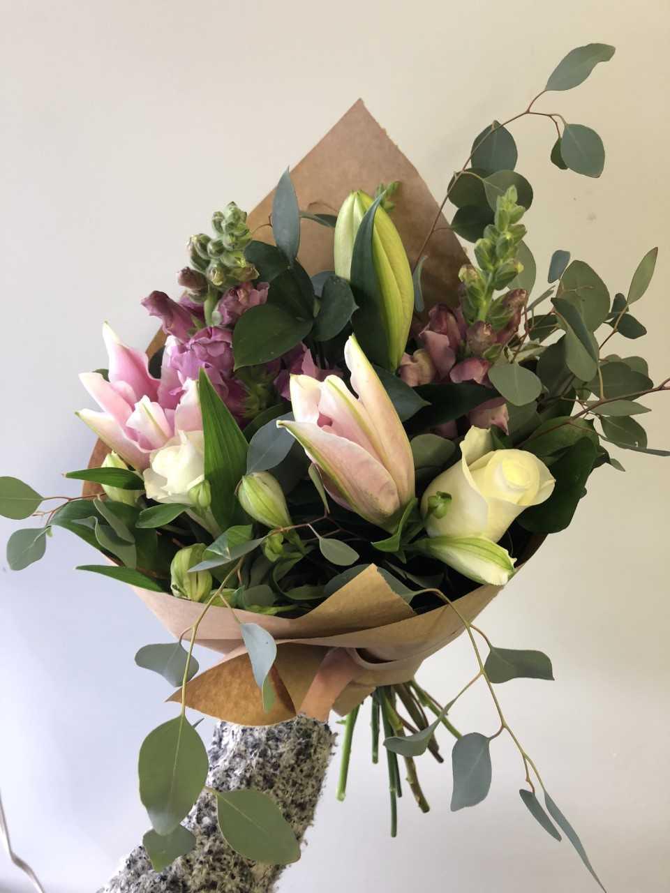 soft v day bouquet.jpg