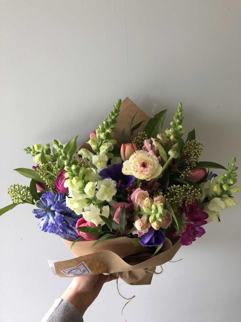 big ranunculus bouquet.jpg