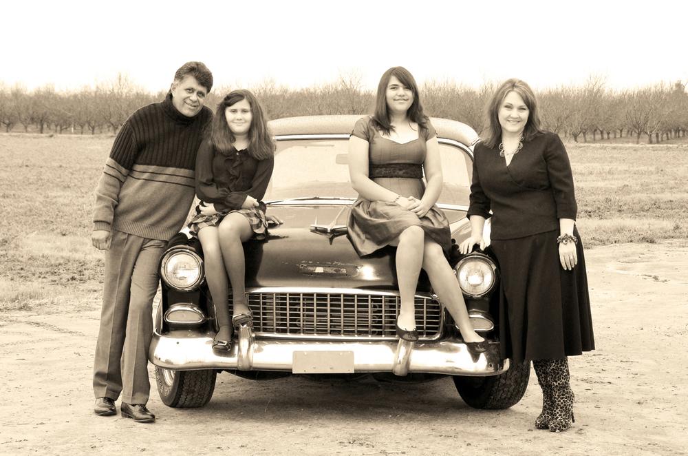 Beth&Family_0015abw.jpg