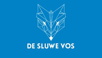 De Sluwe Vos Geboren in de Deventer moest het moment komen dat De Sluwe Vos eens in de Koepel zou staan. Hij mixt als DJ verschillende stijlen aan elkaar en staat bekend om zijn pompende sound.Zaterdag 2 juli cureert De Sluwe Vos de grootste stage van HAND en nodigt hij een aantal bevriende DJ's uit.