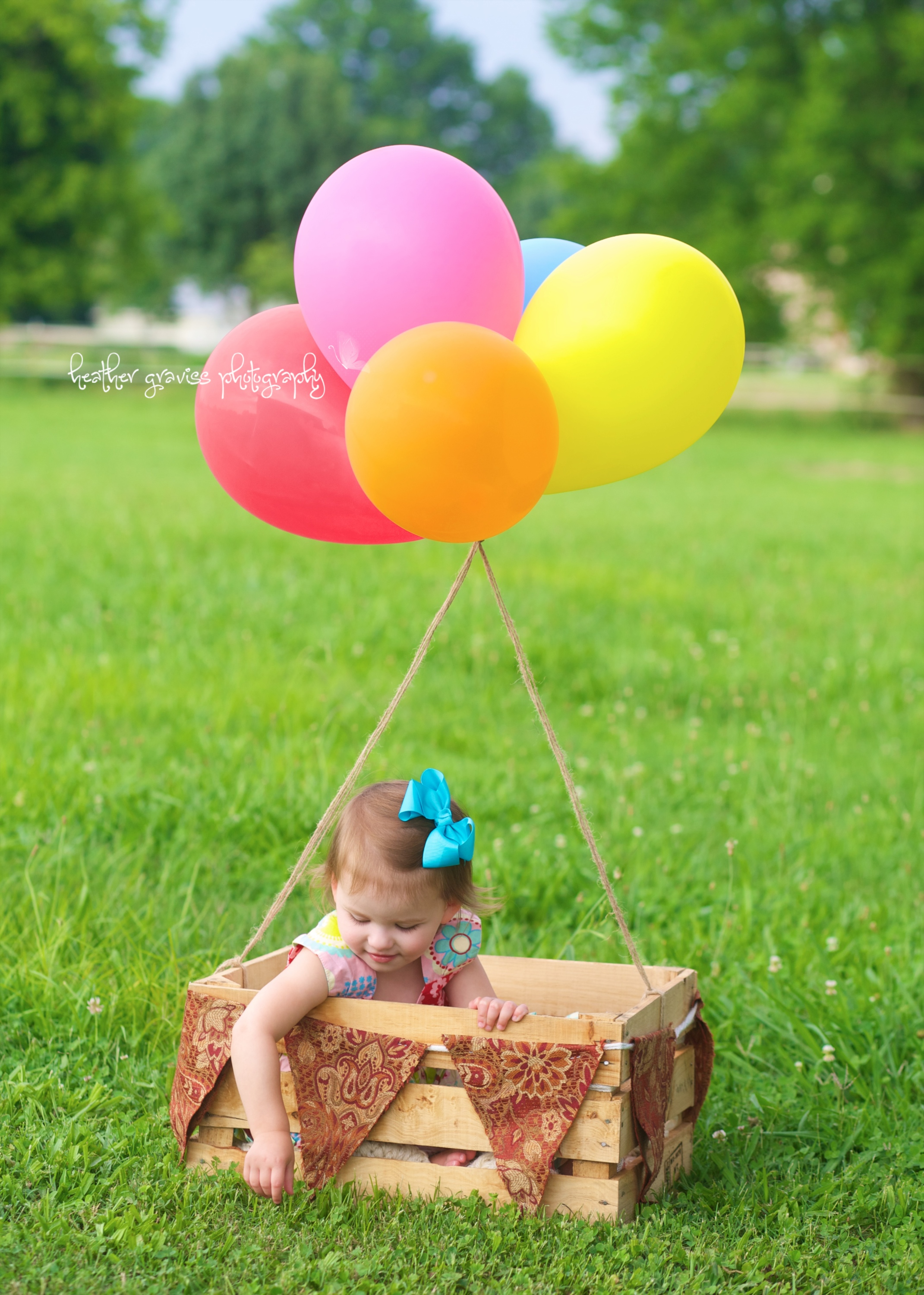 girl in balloonbasket