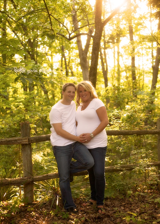 smiling pregnant couple