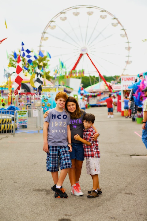 siblings and ferris wheel