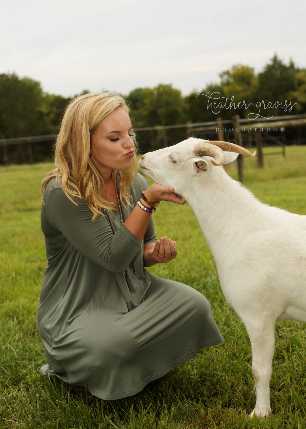 lebanon tn senior kissing goat