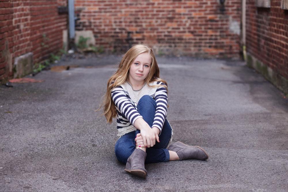 serious-posing-girl.jpg