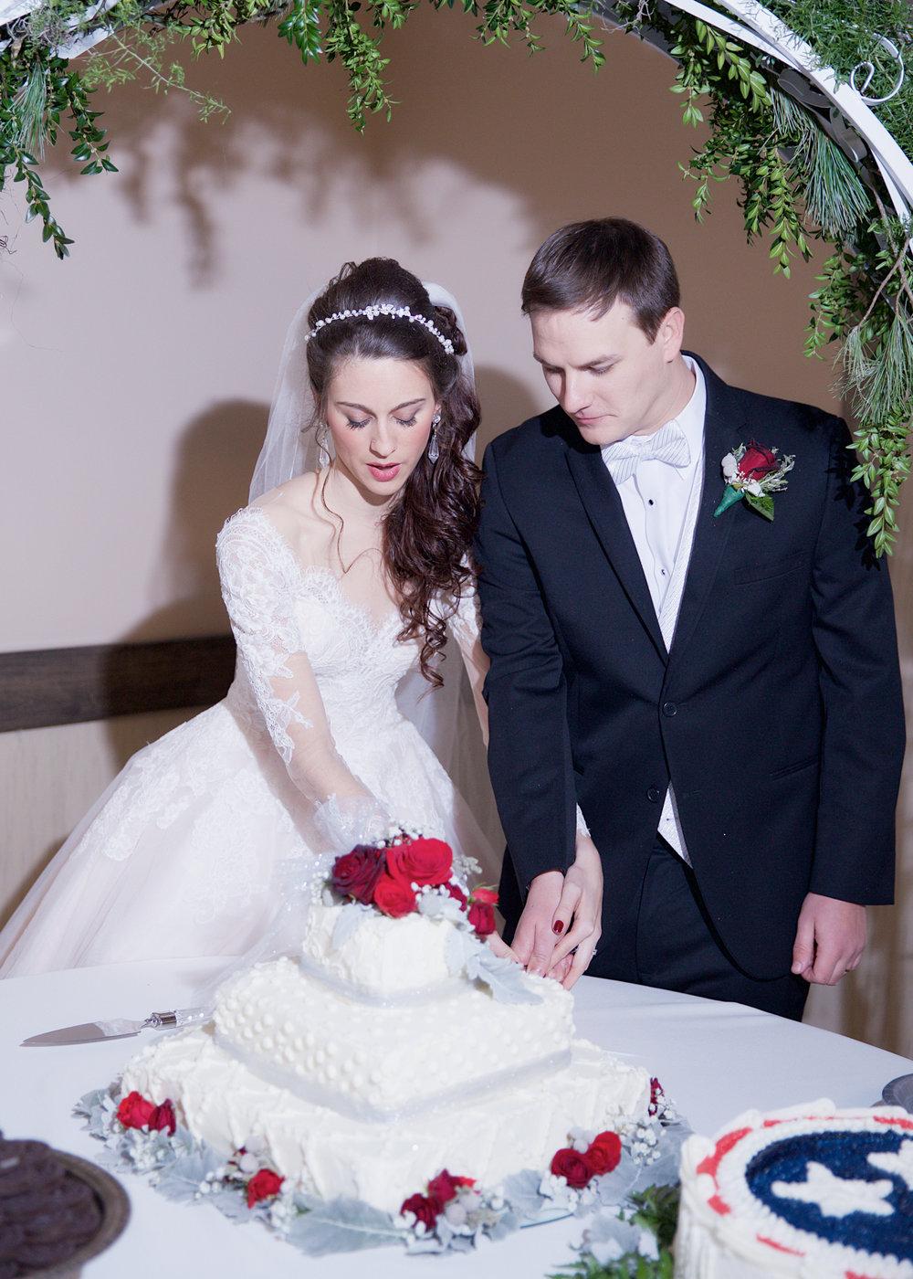34-cake-cutting.jpg