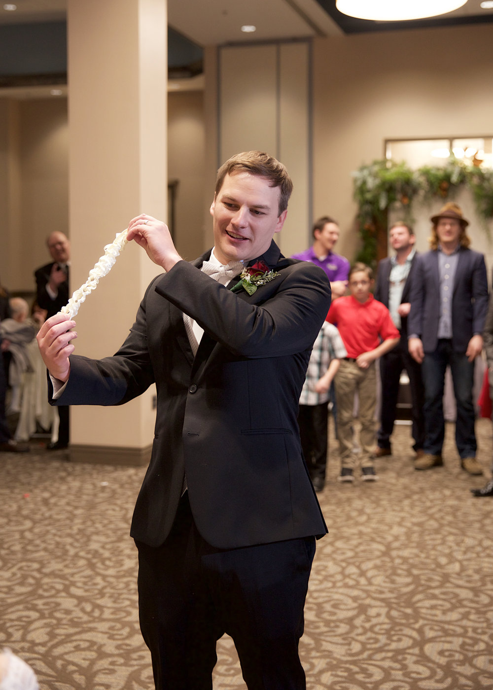 38-throw-the-garter.jpg