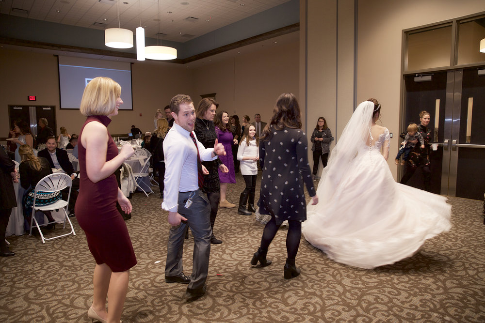 40-wedding-dancing.jpg