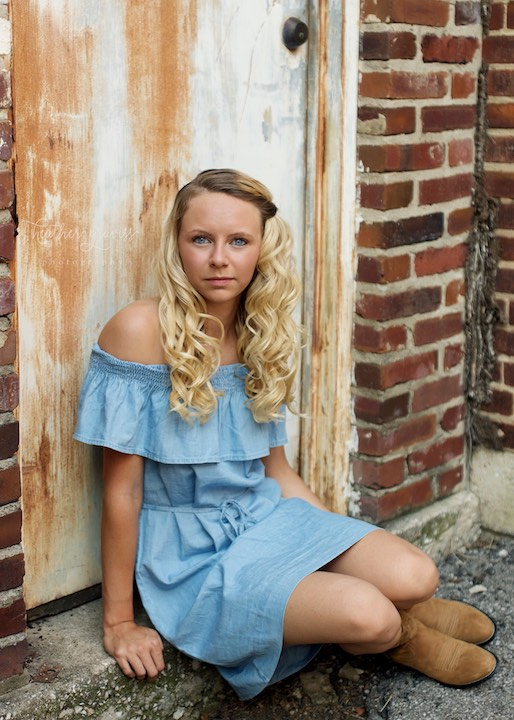blue-eyes-blue-dress.jpg