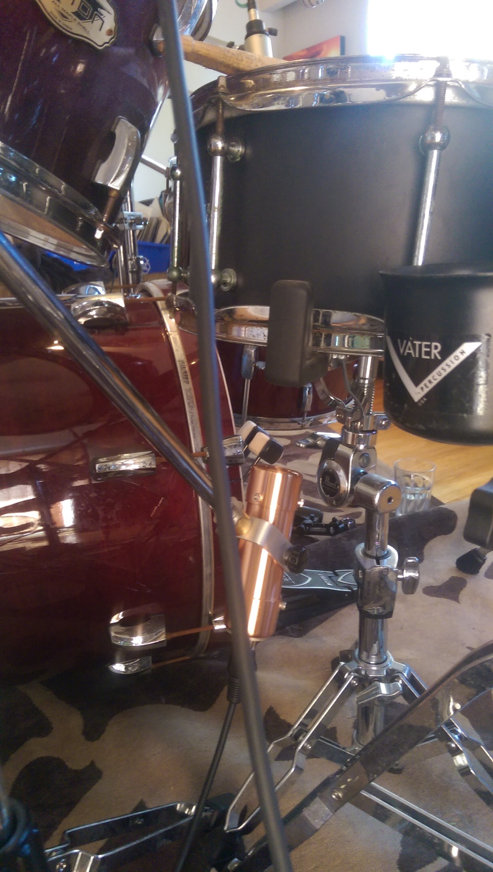 Carbonphone on Snare Bottom