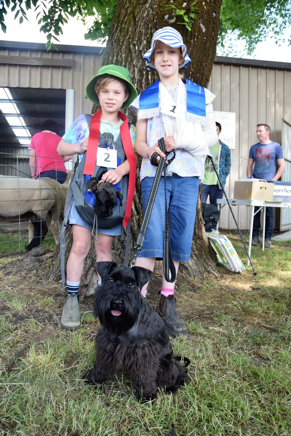 Arlo and Clementine Coone with dogs Judy and Renshaw_8 and 10_Kyneton.jpg
