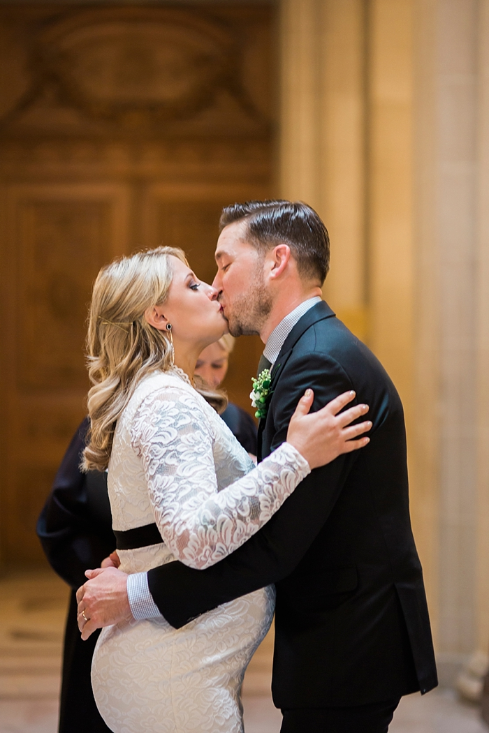 san-francisco-city-hall-wedding-photography-lilouette-24.jpg