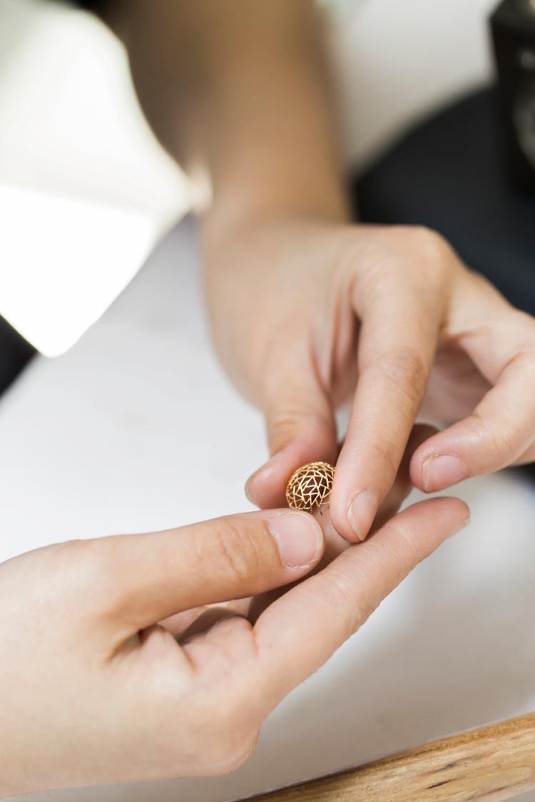 baiyang-qiu-jewelers-portrait-lilouette-12.jpg