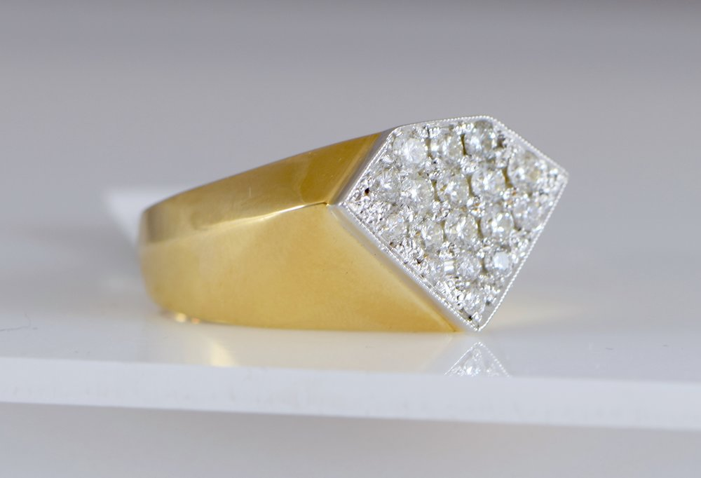 Men's 'superman' diamond ring