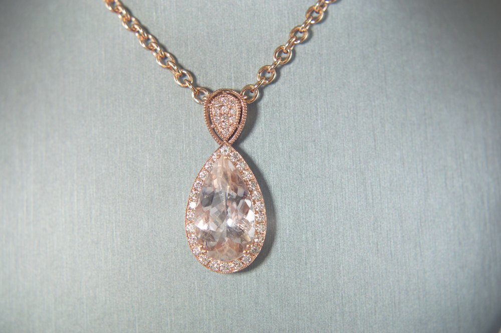 Morganite rose gold pendant
