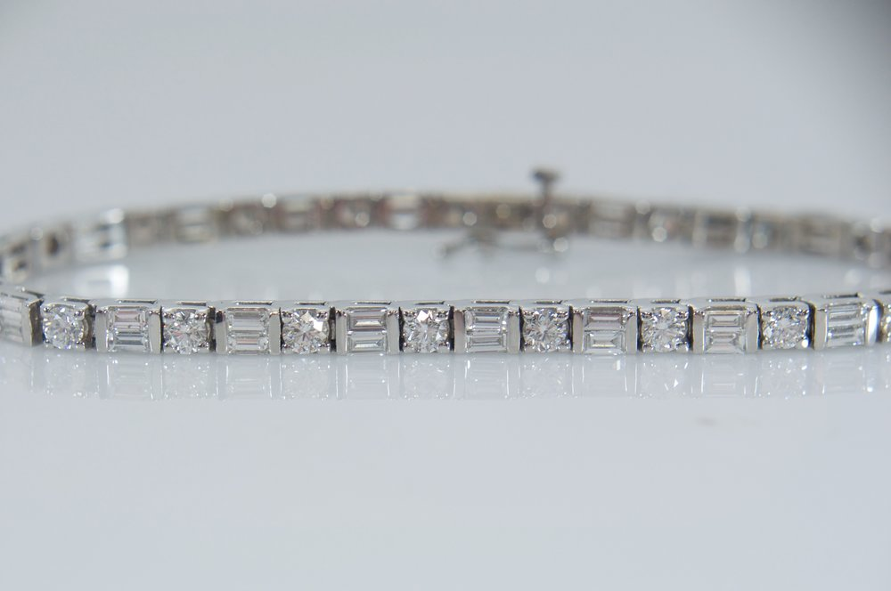 Baguette and round diamond tennis bracelet