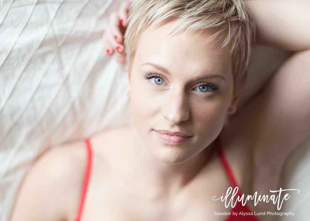 Kelsey's boudoir photo session took place at my apartment studio here in Minneapolis!