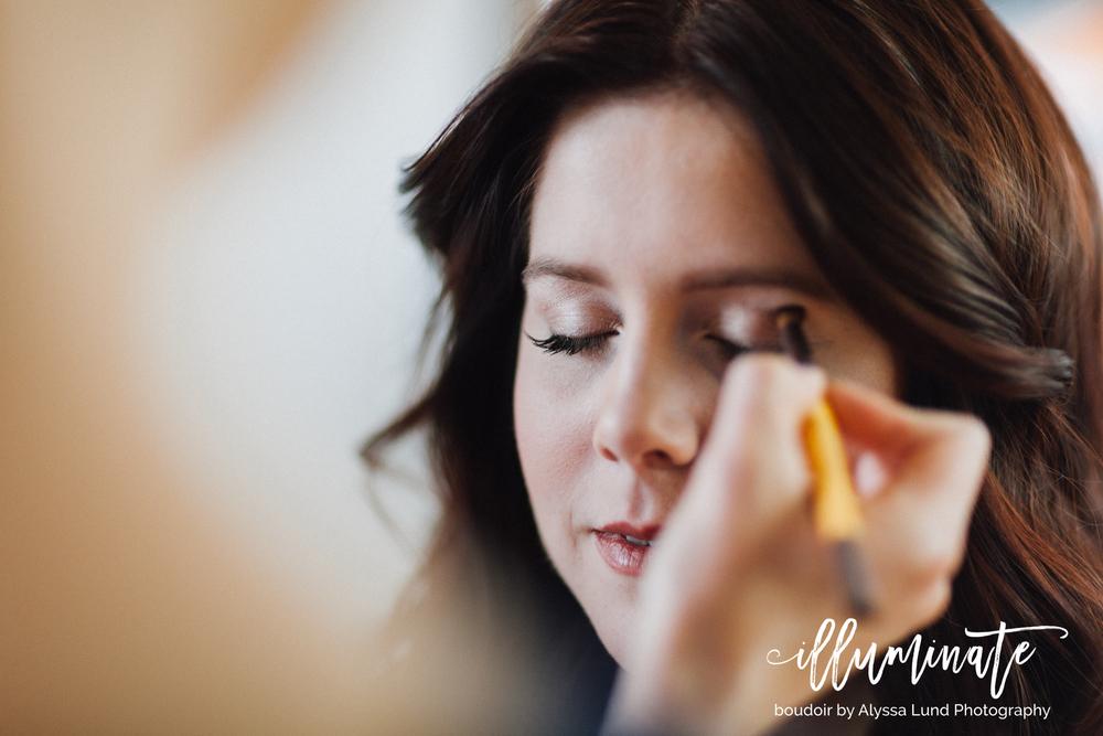 Makeup Advice for Your Minneapolis Boudoir Session.jpg