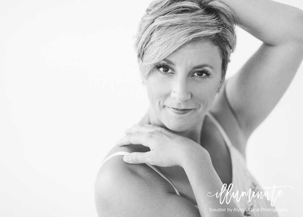 Minneapolis-Boudoir-Photography-Kim-black-white