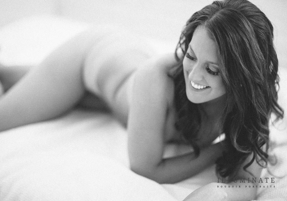 Black and white boudoir photo