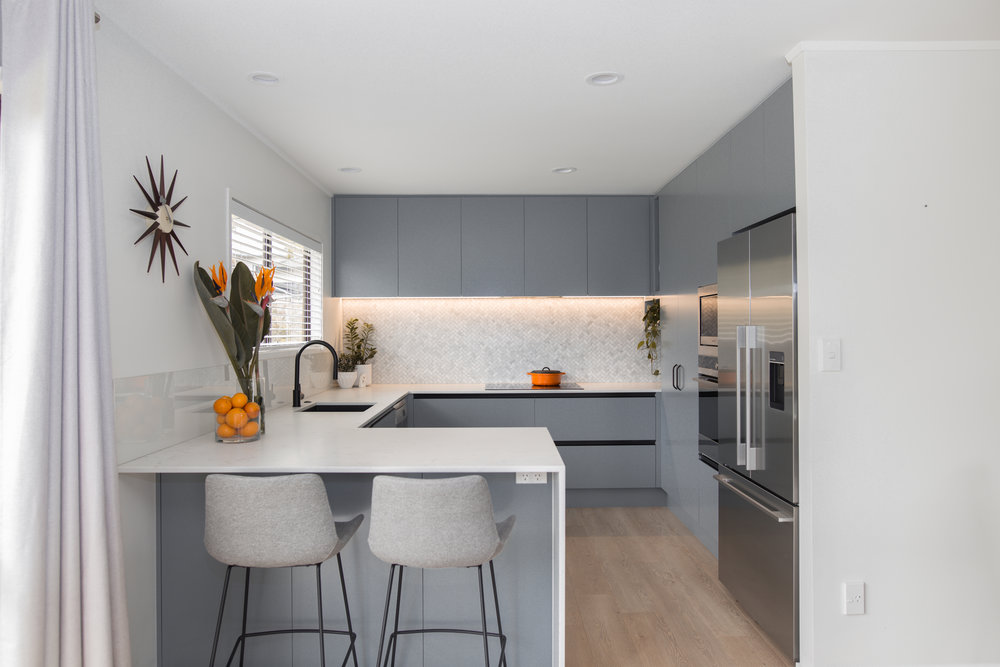 MODERN CLASSIC  kitchen specifications & finishes