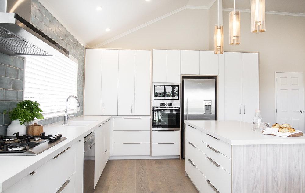 Kirsten Ford Design-Light and bright-Kitchen-2.jpg