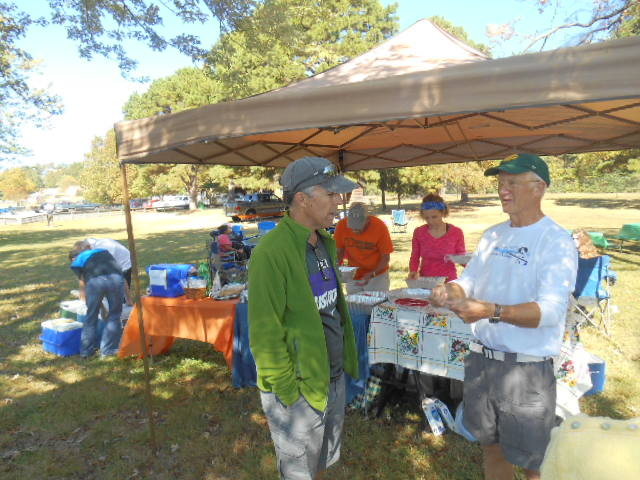 Rowing Picnic Oct 10th 2015 015.JPG