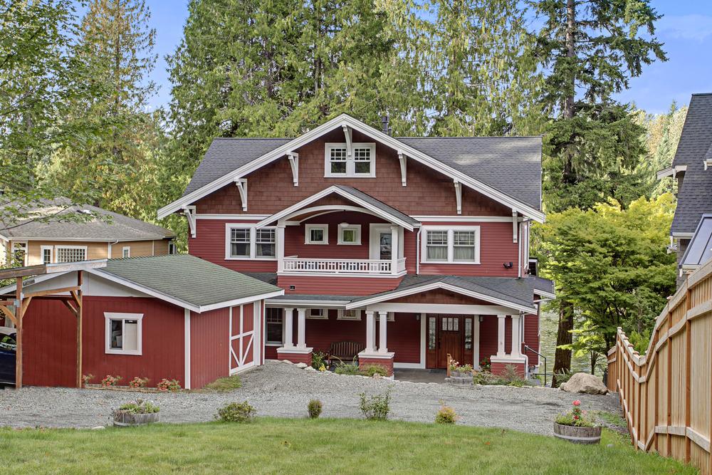 Beaver Lake Waterfront - $1,550,000