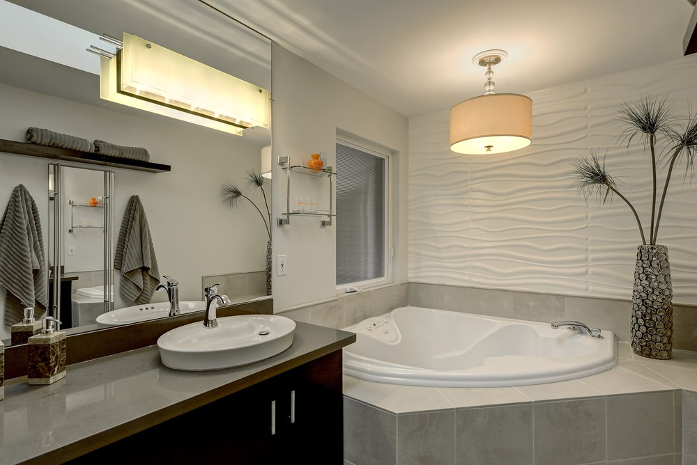 10 master bathroom 1.jpg