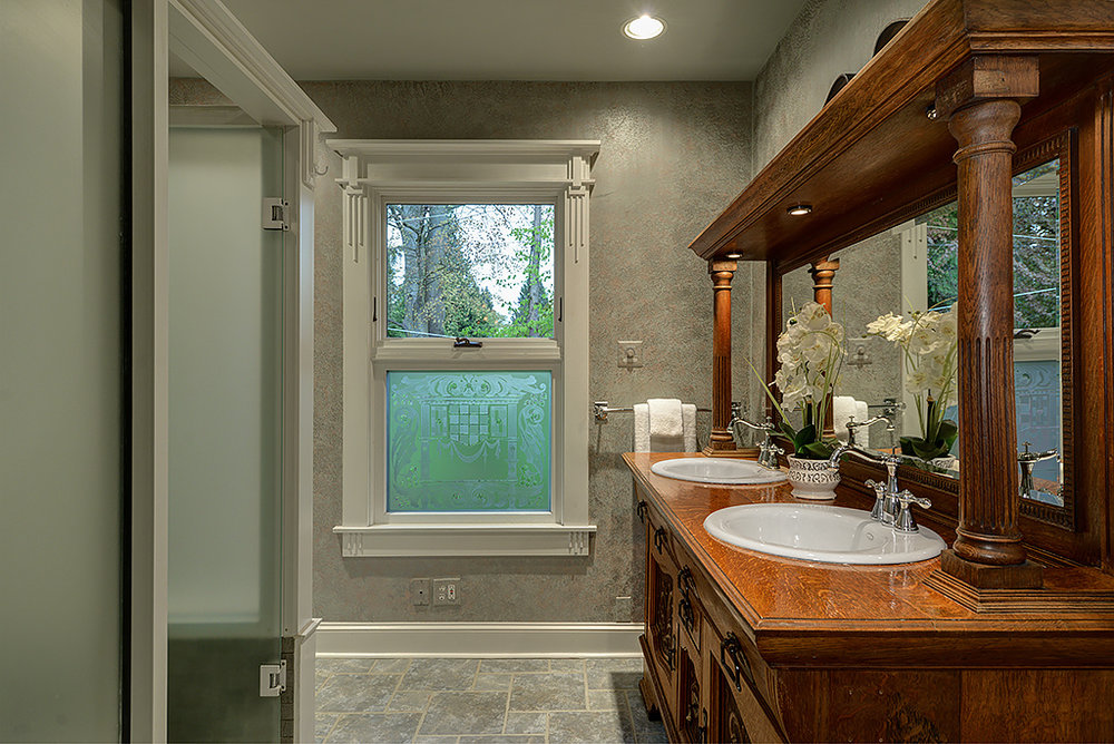 master bathroom 1.jpg