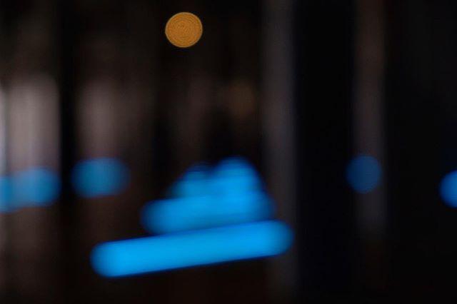 Dia - off-focus- François Morellet: No End Neon . . . . . #francoismorellet  #fineartphotography#finearephotographer#conceptualphotography#fineartportrait#artisticphotography #emotive #artisoninstagram#of2human #fujifilmxt2#nyc#urban#streetshoot#matiasjofre#photographyislifee#photographyislife #photographysouls#photographyeveryday #photographylover#worldbestgram
