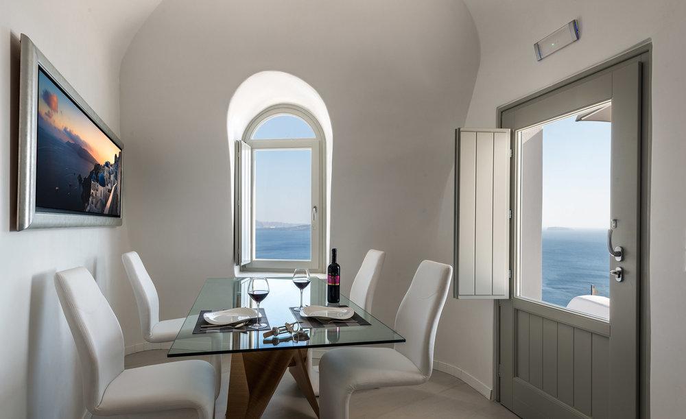 Villa3_Dining1_LC.jpg