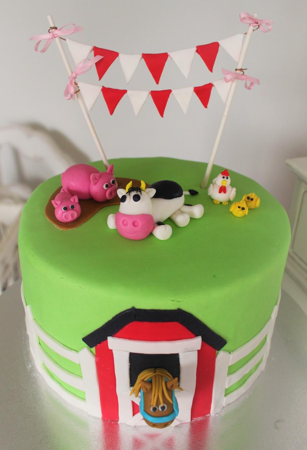 Farmyard Cake!